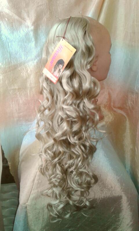 Хвост кудрявый на ленте блонд  0331-122