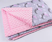 """Плед в кроватку с плюш минки розового цвета """"Розовый месяц и облака""""."""