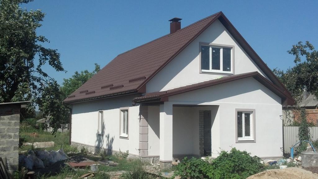 Дом в Малой Даниловке под металочерепицей из матового полиестра