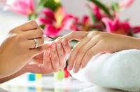 Жидкости и вспомогательные средства для ногтевого сервиса: обезжириватели, средства для снятия лака,