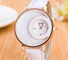 Часы женские Кей  белые - молодежные часики для активной и позитивной девушки