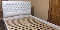 Кровать из дерева с мягким изголовьем. Каретная стяжка. Капитоне