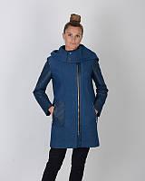 Пальто деми с вставками и капюшоном