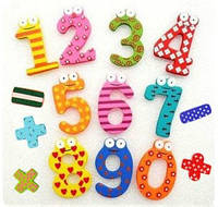 Набор деревянных цифр и знаков для детей