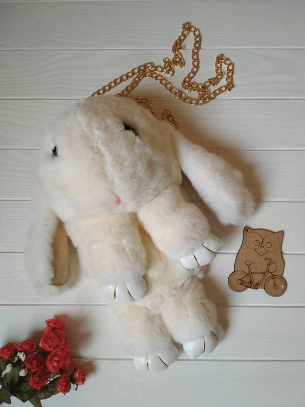 Сумка-рюкзак в виде кролика из натурального меха