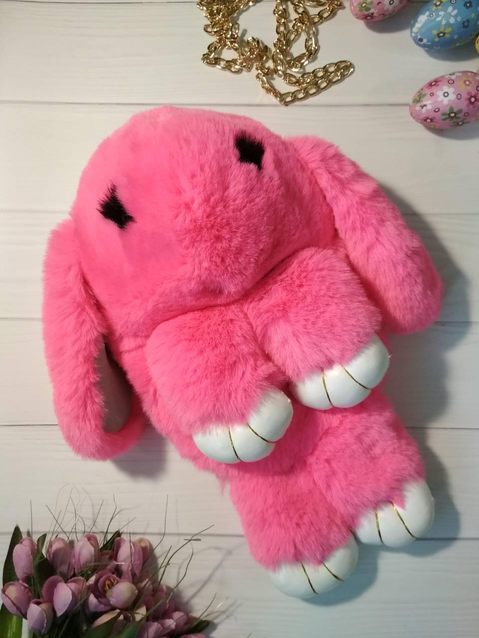 Меховая сумочка-рюкзак зайчик розового цвета