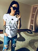 Женская футболка с надписью и звездочками