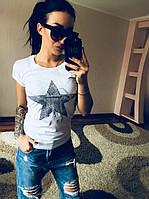 Однотонная женская футболка со звездой