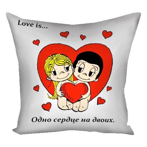 Подушка с принтом Love IS 30*30см