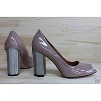 Лаковые туфли модного цвета с открытым носочком  St95-4/42ser