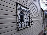 Решетка на окно сварная с элементами ковки - 1