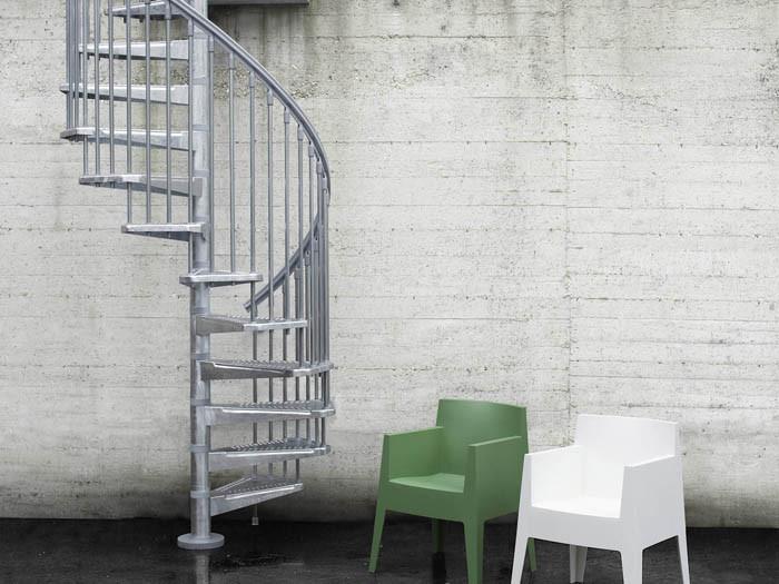 Винтовая оцинкованная лестница Fontanot Steel Zink D140