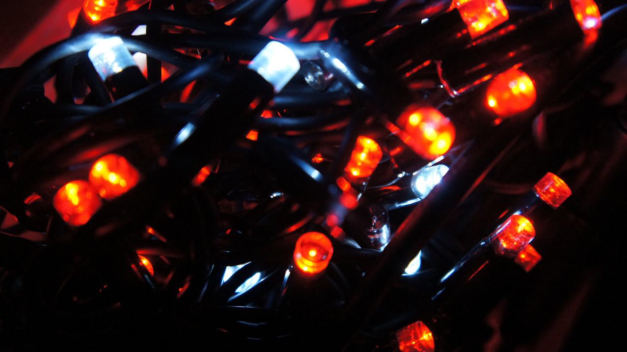 Уличная led гирлянда НИТЬ МЕРЦАНИЕ 10м черный каучук Красный