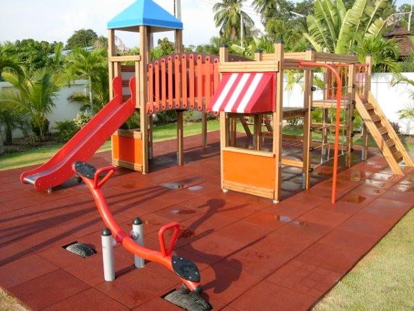 Мягкая плитка для детских игровых площадок