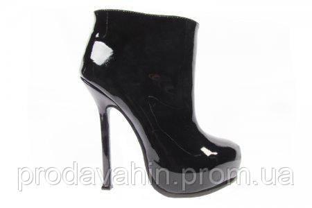 1e6b62840 Красивые ботинки для женщин на высоком каблуке Yves Saint Laurent 05-1