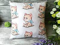 Подушка рыжий котенок с голубым бантом, 30 см * 30 см