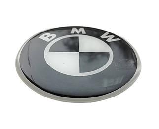 Силиконовая наклейка BMW Черно белая