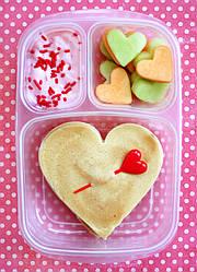Идеи на День Валентина: три варианта ланч-боксов