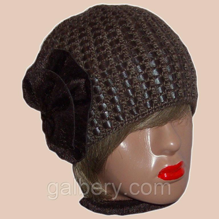 Женская вязаная зимняя шапка на подкладке c элементами кожи коричневого цвета