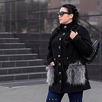 Женское батальное пальто с меховыми карманами tez1015134