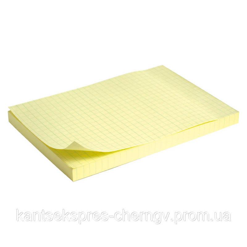 Блок бумаги с липким слоем Delta D3330 100x150 мм, 100 листов, клетка, желтый