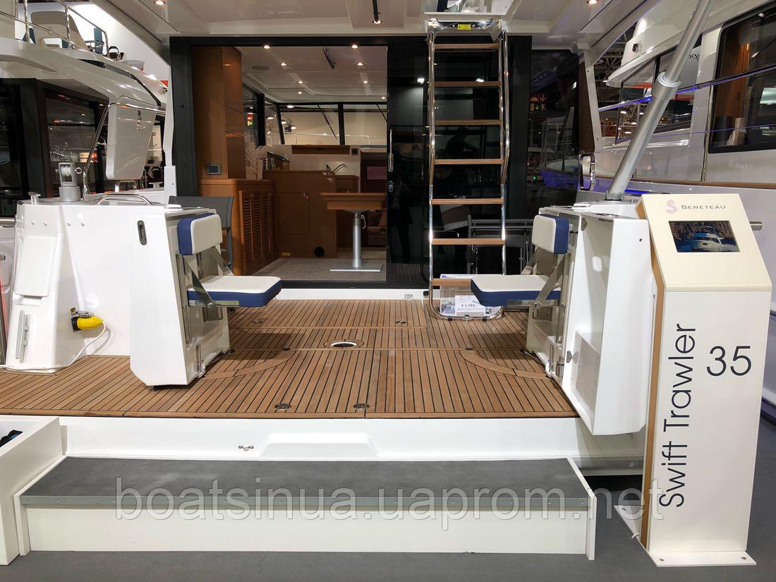 Яхта Swift Trawler 35
