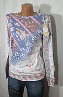 Практичный весенний свитер с оригинальным декором