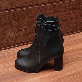 80641| Женские ботильоны-демисезонные на высоком каблуке и молнии. Черные из натуральной кожи с резинкой
