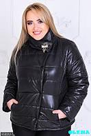 Стильная куртка с брошью