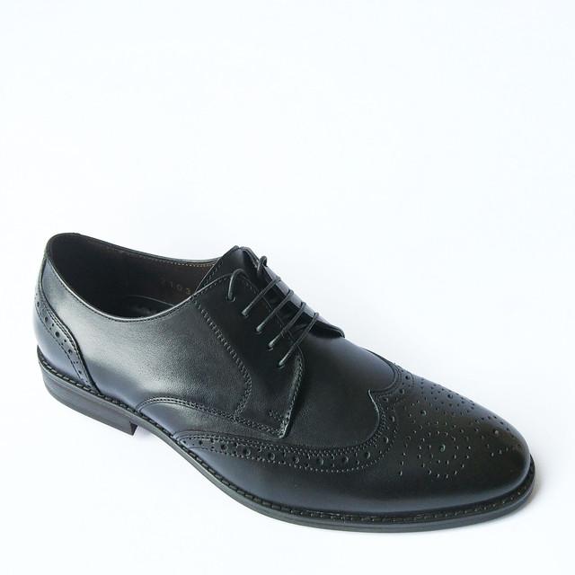 Купить мужские туфли броги кожаные черного цвета на шнуровке с перфорацией от фабрики Ikos