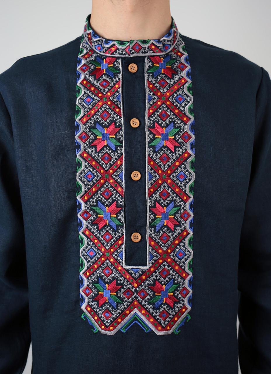 Синя лляна чоловіча вишиванка на довгий рукав з кольоровим орнаментом ручної  роботи  3033128699f88