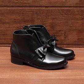 80021| Женские ботильоны демисезонные на низком каблуке. Черные из натуральной кожи с бантиком
