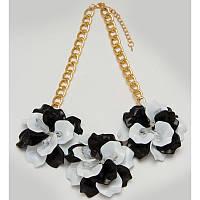 Колье, Чёрно-белые цветы, Прозрачные стразы, Золотистая цепочка, Оригинальная форма