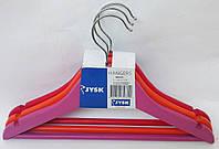 Детские деревянные цветные вешалки плечики 32см с металлическим поворотным крючком