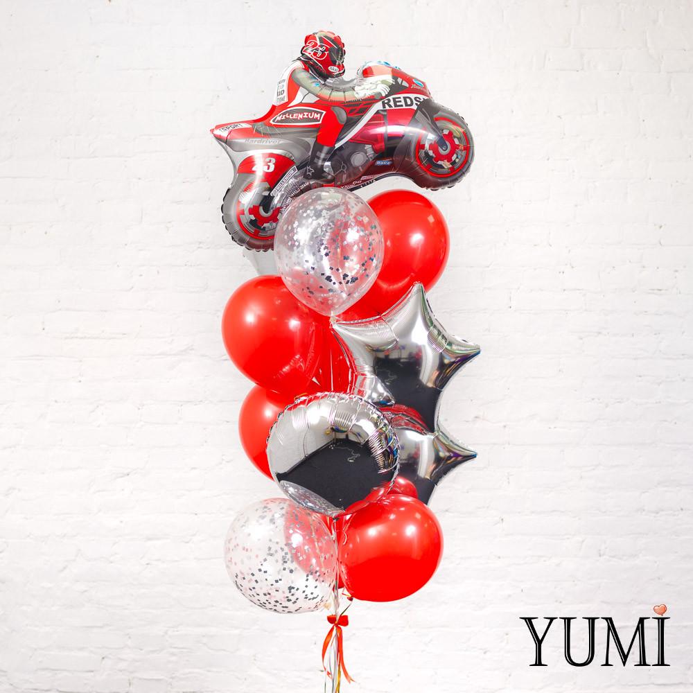 Связка из фигуры красный мотоциклист, 3 серебряных звезд, 1 серебряного круга, 6 красных и 2 прозрачных шаров