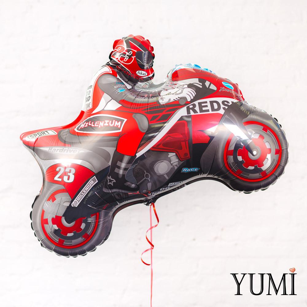 Фольгированный гелиевый шарик мотоциклист красный