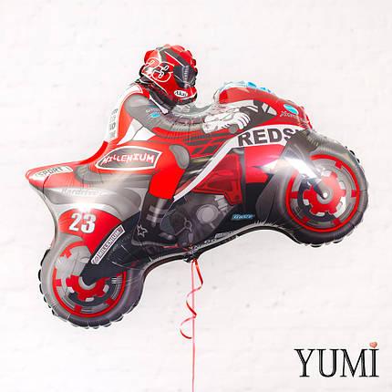 Фольгированный гелиевый шарик мотоциклист красный, фото 2