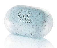 """Мыло-скраб для ног с пудрой косточек абрикоса  """"Здоровые ножки"""", Avon Foot Works, Эйвон, 41869"""