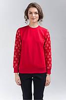 Женский свитшот красный с узорами на рукавах
