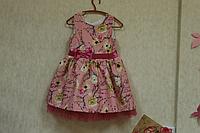 """Нарядное платье """"Креп цветочки"""" на розовом фоне"""