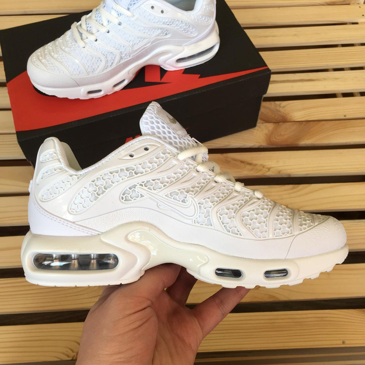 20b44072eb7516 Женские кроссовки Nike Air Max TN Plus, белые, цена 1 199 грн ...