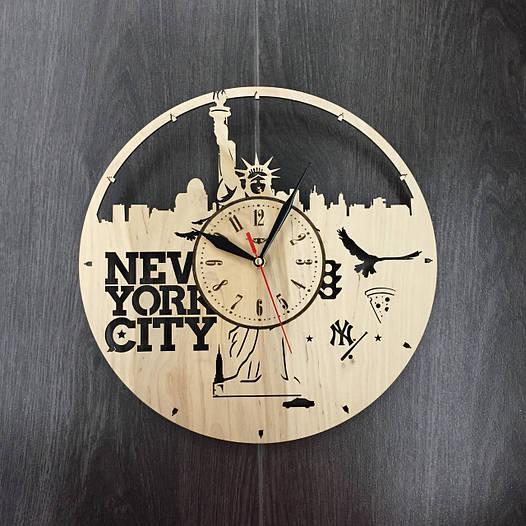 Часы настенные круглые из дерева 7Arts Нью-Йорк. Статуя Свободы CL-0030