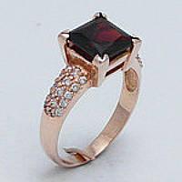 Золотое кольцо с квадратным камнем 2414 ГрО
