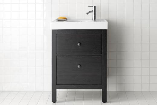 Шкафы и стеллажи для ванной