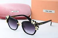 Солнцезащитные очки квадратные Миу Миу черные с камнями, фото 1