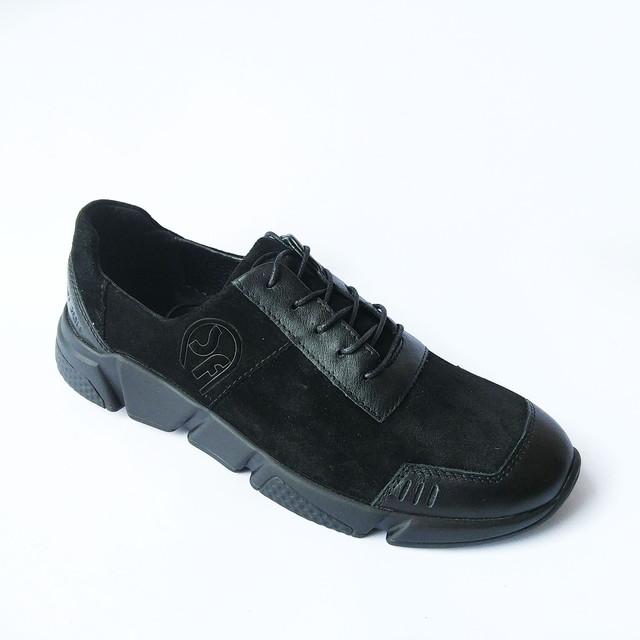 спортивные кроссовки мужские на шнуровке черного цвета