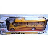 Автобус р/у акумуляторах арт.666-77 Рух в 4 напрямках, світло фар 40х12х11 (Ч)
