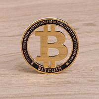Биткоин в виде монеты сувенир