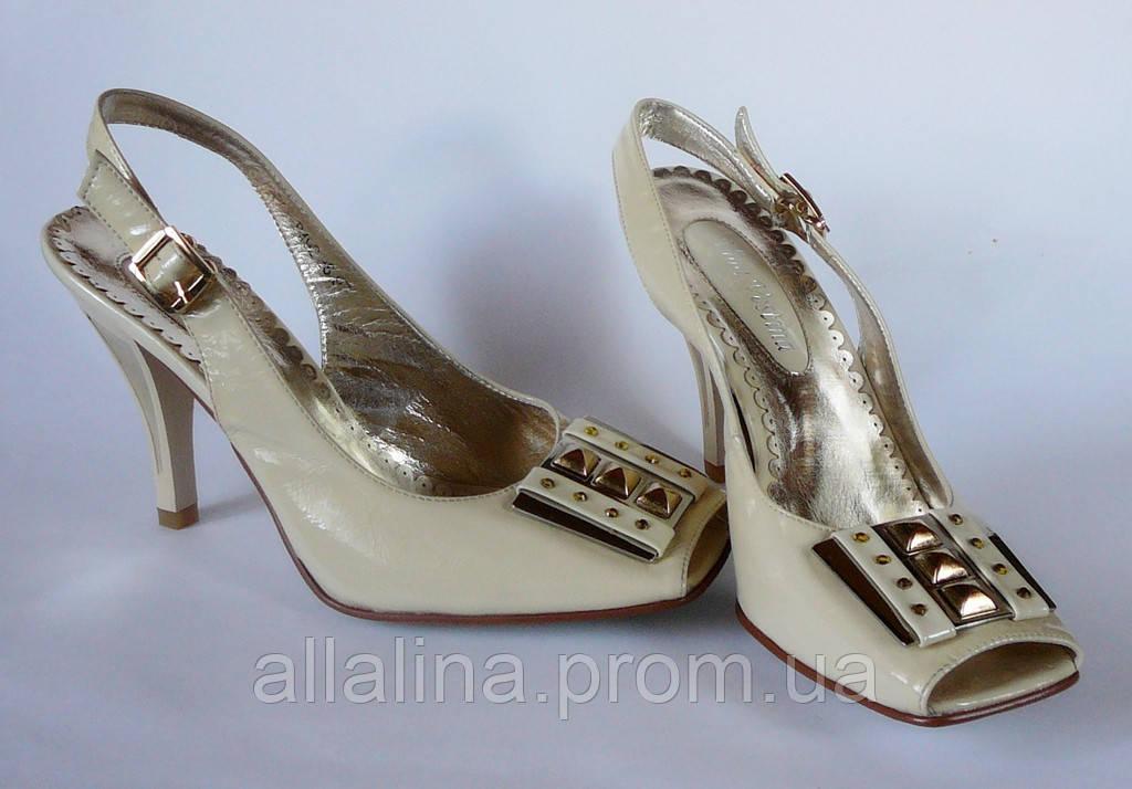 Босоножки на каблуке Vina Vestina