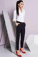 Черные брюки с сине-белыми лампасами
